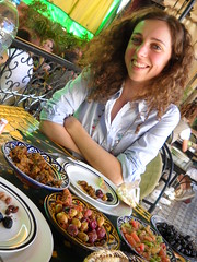 "il pranzo che fa sorridere.... • <a style=""font-size:0.8em;"" href=""http://www.flickr.com/photos/67097613@N06/6325838161/"" target=""_blank"">View on Flickr</a>"