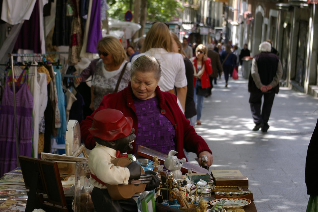 The world 39 s best photos of se ora and vendedora flickr - Mercadillo antiguedades madrid ...