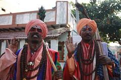 Hampi, strange men (Arian Zwegers) Tags: india capital unescoworldheritagesite karnataka 2009 hampi strangemen vijayanagara vijayanagaraempire groupofmonumentsathampi