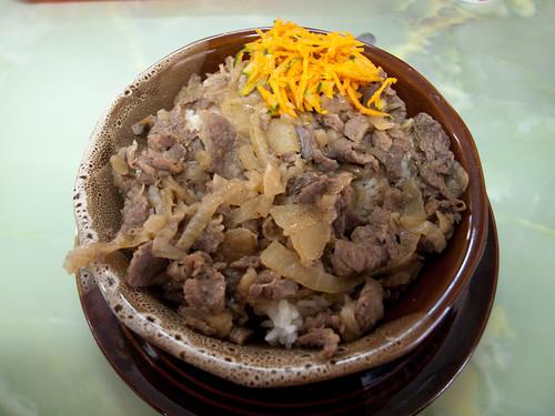 Olla de arroz con carne