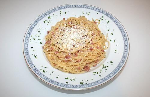 16 - Spaghetti alla carbonara - Gericht serviert