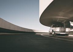 Strich 8 (Tord...) Tags: classic car sedan vintage concrete diesel hamburg 8 retro mercedesbenz 70s oldtimer carpark canonef1740mmf4lusm limousine parkhaus mundsburg canoneos5d w115 w114 guessedhamburg guessedbyspanier weissgrau