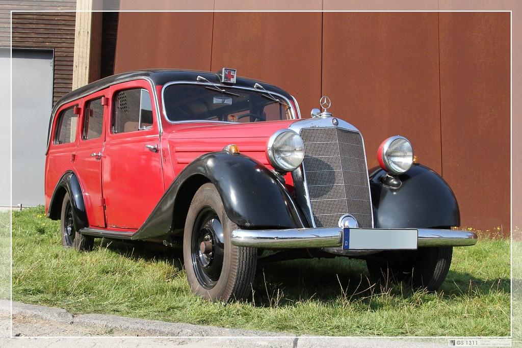 The world 39 s best photos of krankenwagen and kreuz flickr for 1946 mercedes benz