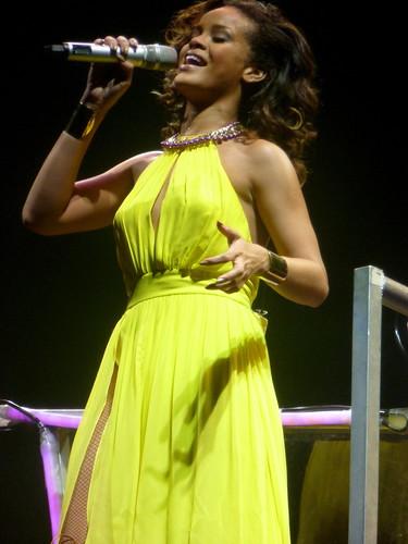 rihanna - bercy 2011 - 31