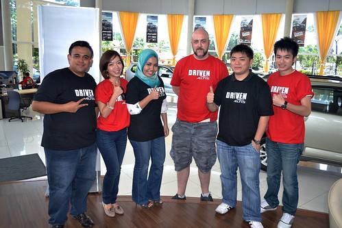 Red & Black Team - Altis Drive