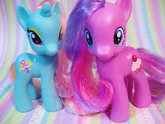 candy ponies (teakitty) Tags: g4 cupcake mylittlepony sugarcup dewdropdazzle