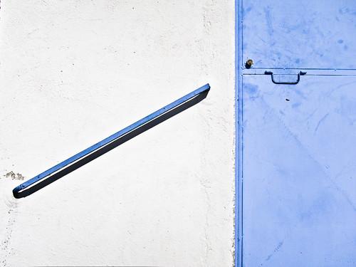 321/365 Pasamanos y puerta por Juan R. Velasco