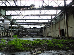 Ferodo : Green (norman preis) Tags: uk plant abandoned wales october industrial factory cymru explore prison ferodo derelict dynamics gwynedd caernarfon asbestos urbex dispute hydref manufacturing proposed menaistrait 2011 friction bluefield derelicte transportandgeneralworkersunion breakpads dissused lonlas asbestosis brakelining dmeurig