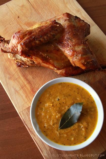 Pollo arrosto con salsa asprigna alle verdure semplici