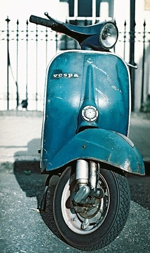 Blue ET3 by Vespamore !