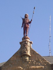 Chief Wapello, Atop The Wapello County Courthouse (Ottumwa, IA) (missouritrekker) Tags: statue iowa courthouse sacandfox ottumwa chiefwapello wapellocounty