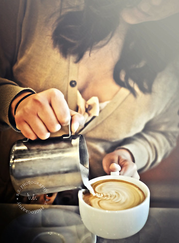Latte Pour by Evelyn at Bru Coffee Bar, Los Feliz, California