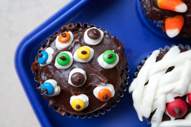 Funky Eyeball Cupcake