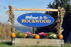 Rockwood. (Mary Vican) Tags: autumn vacation signs mountains town colorful cove pumpkins maine scenic newengland signage greenville rockwood mooseheadlake piscataquiscounty beavercove