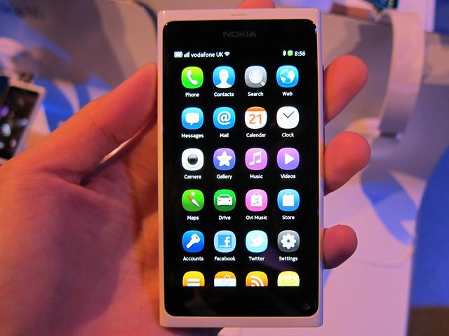 Nokia N9 White (Front)