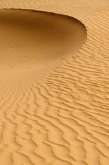 Semicircle (SAUD ALRSHIAD 2  ) Tags: shadow abstract sahara nature yellow composition landscape photography golden sand nikon deep saudi arabia sands riyadh landscap ksa semicircle saud saudia 2011 yalow riydh      flickraward arabin althomamah thomama d7000  nikonflickraward nikond7000 alrshiad