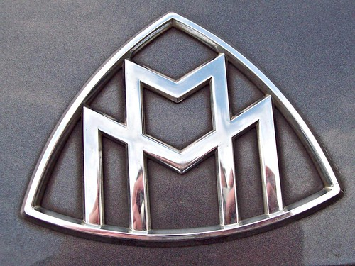 152 Maybach Badge
