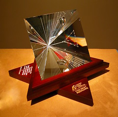 Man of Vision (angle) - Mark Raynes Roberts (Mark Raynes Roberts, Crystal Artist) Tags: molsonindy glassart susansarandon sunshinemillions architecturalglass mcmasteruniveristy glassengraving kornferry crystalsculpture crystalengraving architecturalglassdesign markraynesroberts crystalartist raynescrystalartdesign top40under40awards