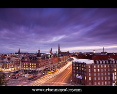 Copenhagen [Denmark] - Evening View of Downtown CPH (UrbanMescalero) Tags: trafficlights copenhagen denmark twilight downtown traffic dusk cityhall bluehour danmark centrum kbenhavn christiansborg rdhuspladsen thechurchofourlady 2011 vorfruekirke cityhallsquare leefilters canoneos5dmarkii nikolajchurch jarmersplads canonef24105lf4isusm stauningsplads doubleniceshot tripleniceshot mygearandme mygearandmepremium mygearandmebronze mygearandmesilver mygearandmegold mygearandmeplatinum mygearandmediamond artistoftheyearlevel2 aboveandbeyondlevel4 wwwurbanmescalerocom gorankljutic aboveandbeyondlevel1 aboveandbeyondlevel2 aboveandbeyondlevel3