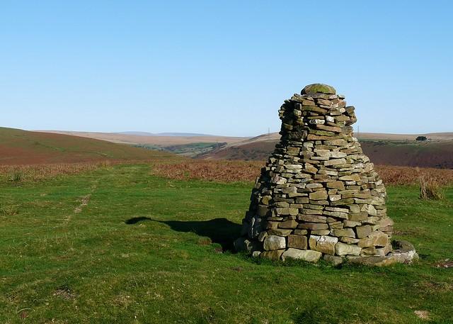25295 - Cairn on Cefn Drum