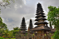 Pura Taman Ayun, Mengwi, Bali (wiifm) Tags: bali hdr