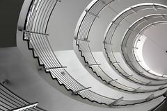 Zrich-Haus / Hamburg (michael_hamburg69) Tags: white stairs germany geotagged spiral deutschland hamburg stairwell stairway treppe escalera staircase architektur handrail swirl weiss hansestadt treppenhaus gelnder wellhole wendeltreppe foucaultpendulum handlauf flightofwindingstairs penduledefoucault cagedescalier zrichhaus pendolodifoucault pndulodefoucault escaleraespiral treppenauge foucaultschespendel corkscrewstairs trombadellescale foucaultsarkac helicalstair windmillsspirals vanoscala  gabbiadellescale hamburgstairs michaelhamburg69 lutjin schneckenform wellmouth