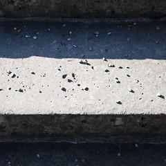 Les marches de Bagatelle (Gerard Hermand) Tags: park light shadow paris france stairs canon lumire pebbles ombre stairway shade parc escalier cailloux formatcarr eos5dmarkii 1109305275 gerardhermand