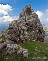 Rocca 'Salvatesta' (In2ShФФT) Tags: sicily sicilia granito landscapephotography kiss3 sigma1020mmexdchsm canoneos500d novaradisicilia roccanovara fotografiapaesaggistica fondachellifantina digitalrebelt1i roccasalvatesta