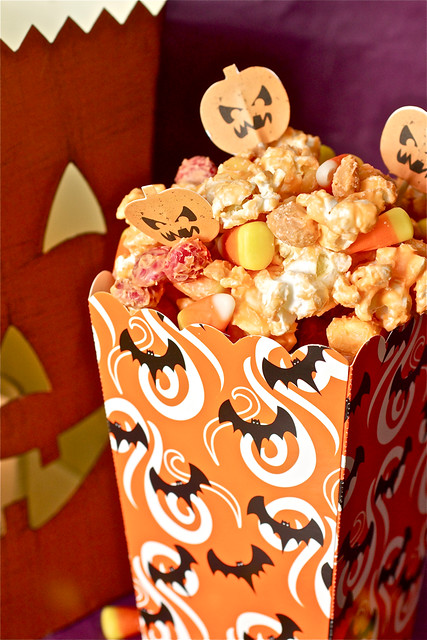 Monster Munch (Halloween Popcorn Mix)