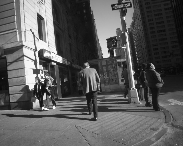 manwalking6thAv+55th