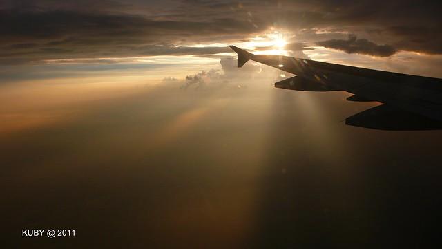 往上海飛機