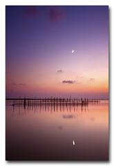 (jose.singla) Tags: light sunset shadow sky españa moon seascape color reflection luz water valencia clouds marina canon landscape atardecer agua sigma sombra paisaje luna cielo nubes puestadesol reflexions 1020 reflejos 50d joseantoniogimenez
