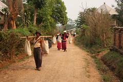 Local people in a traditional village in the area around Kyaukme, Myanmar / Burma (sensaos) Tags: life travel people asia village state burma daily myanmar shan eastern birma azie famke azië palaung 2011 veenstra kyaukme sensaos