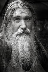 (J. M. Prez Padilla) Tags: portrait white black blanco canon beard retrato negro 5d barba 24105 galartuk perezpadilla