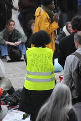 Femme sandwich (grmblmbl) Tags: ladefense defense occupy indigns occupons occuponsladefense