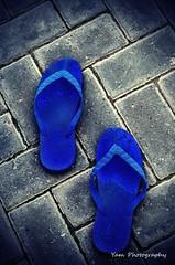 Tsinelas (Yam Photography) Tags: bricks footwear vignette wearandtear tsinelas selectivecoloring