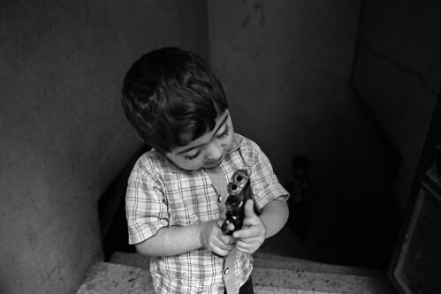 kid_gun_istanbul