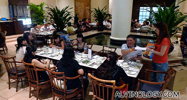 Getting everyone seated at Swissotel Merchant Court