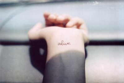 alive-photography-pretty-tattoo-wrist-tattoo-Favim_com-207974