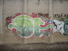 OE (Lurk Daily) Tags: graffiti bay south oe oeone
