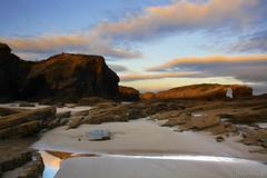 el prncipe de las mareas  EXPLORE (RalRuiz) Tags: espaa luz playa galicia amanecer lugo reflejos ribadeo cantbrico playadelascatedrales