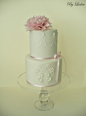 Lace medallion with pink dahlia (Leslea Matsis Cakes) Tags: pink dahlia flowers white lace swags