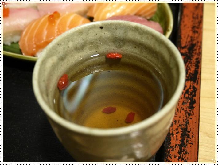 西湖市場百番生魚丼.壽司