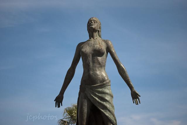 13/52 Half Statue, Fuengirola