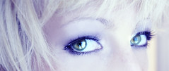 elf (leslie.june) Tags: blue selfportrait greeneyes tones lesliejunephotography