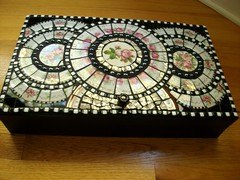 Rose Keepsake Box (ree-creation-mosaics) Tags: piqueassiette mosaicbox keepsakebox reemaier