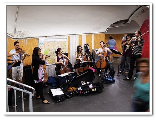 地鐵站的交響樂團2
