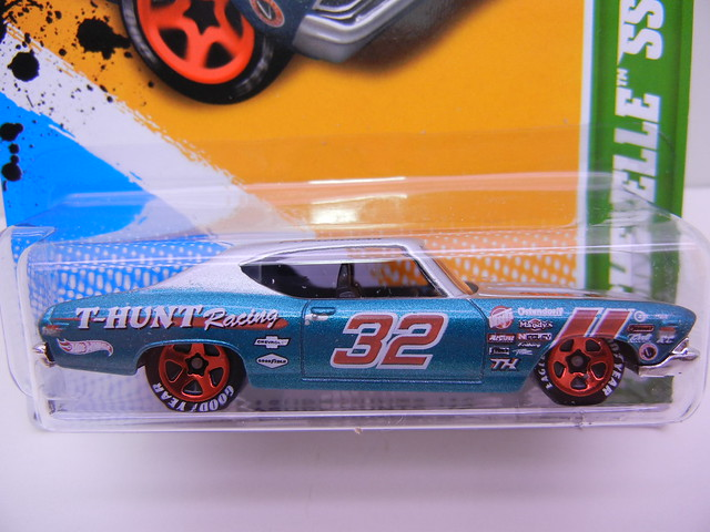 hot wheels treasure hunt 2012 '69 chevelle ss 396 (2)