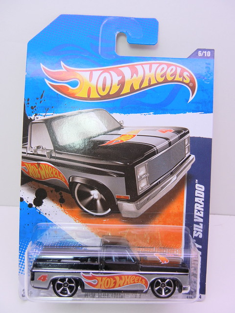 hot wheels '83 chevy silverado blk silver (1)