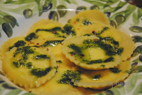 ... asperges goat cheese olive ravioli with spinach and goats cheese